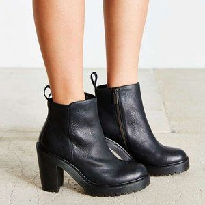 DOC MARTENS MAGDALENA LEATHER HEELED CHELSEA BOOTS